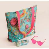 Пляжная сумка и стильные ярко-розовые солнечные очки