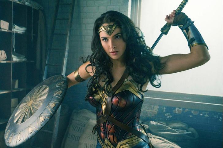 Фото №2 - Какой голливудской актрисе Анджелина Джоли уступила роль легендарной Клеопатры?