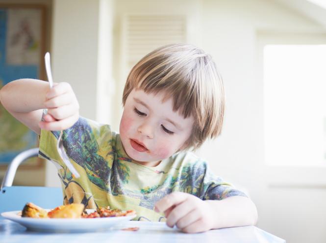 Фото №4 - 10 советов, как научить ребенка есть красиво