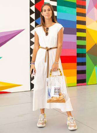 Фото №11 - Какие платья можно носить с кроссовками: советы стилиста