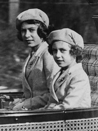 Фото №4 - Почему придворные предпочитали общаться с юной Маргарет, а не с Елизаветой