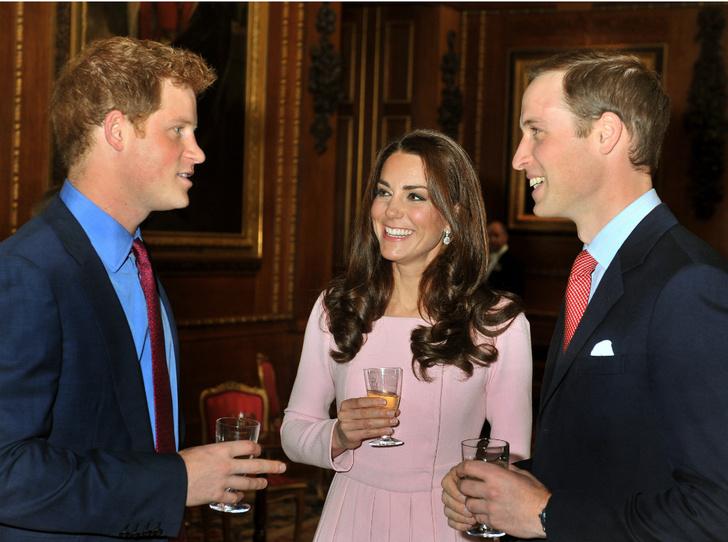 Фото №7 - Маскарад Евгении и конфуз Гарри: самые веселые дни рождения королевских особ