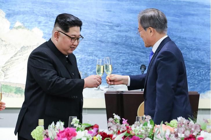 Фото №4 - 5 безумных слухов о Ким Чен Ыне