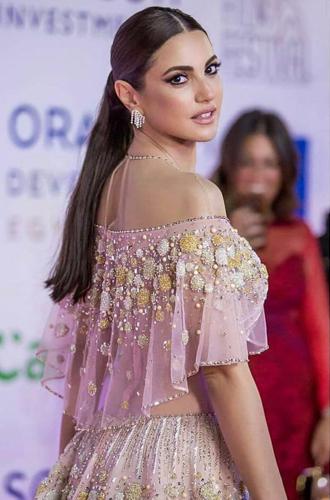 Фото №12 - Звезды Востока: как выглядят 10 самых популярных арабских актрис