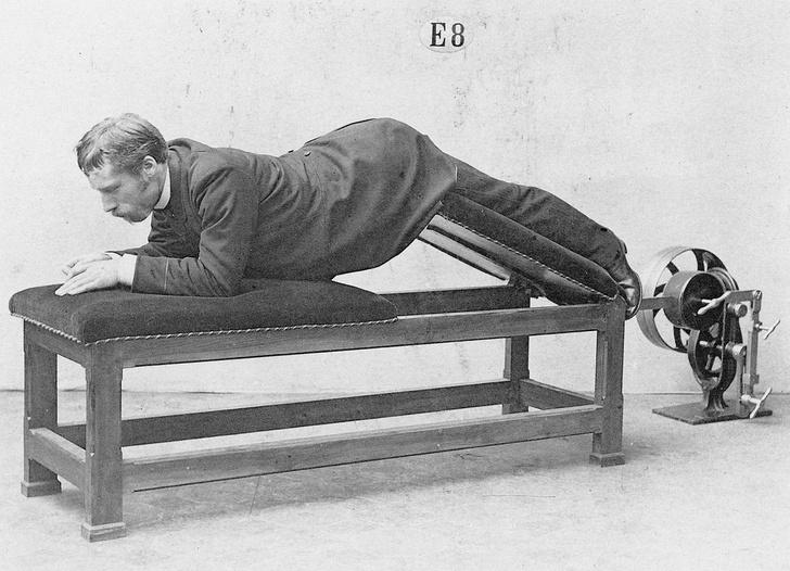 Фото №4 - Бодибилдинг в корсете: как появились и развивались спортивные тренажеры