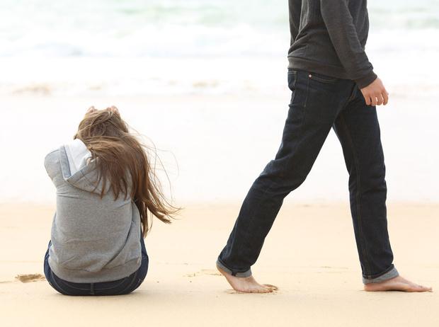 Фото №2 - Нездоровые сценарии в отношениях: как освободиться от ролей, которые мы играем