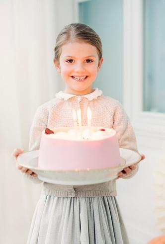 Фото №3 - Ее Королевское очарование: принцессе Эстель 6 лет