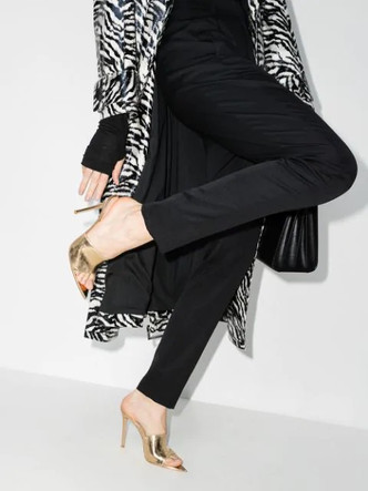 Фото №5 - От лодочек до босоножек: самая модная обувь для встречи Нового 2021 года