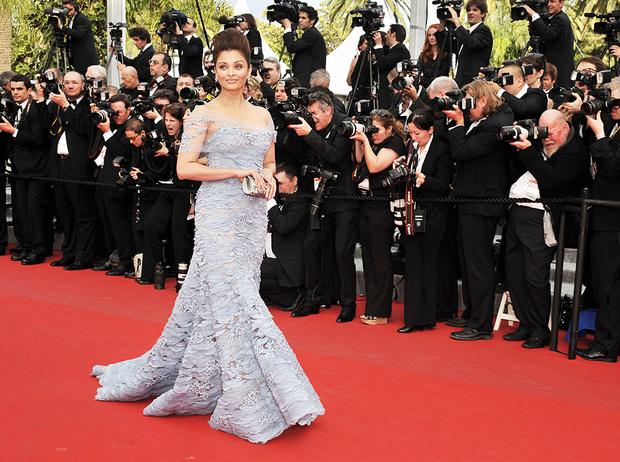 Фото №47 - Болливуд в Каннах: Айшвария Рай и все ее наряды за историю кинофестиваля