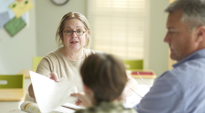 Родители VS учителя: 9 правил конструктивного общения