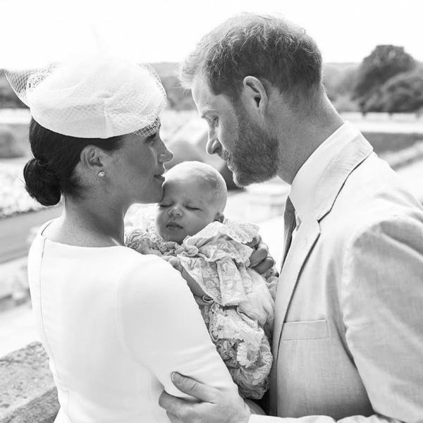 Фото №2 - Как герцогиня Меган и другие члены БКС поздравили принца Гарри