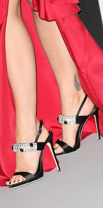 Фото №100 - Обувные бренды звезд, часть 2: Nicholas Kirkwood, Manolo Blahnik, Giuseppe Zanotti