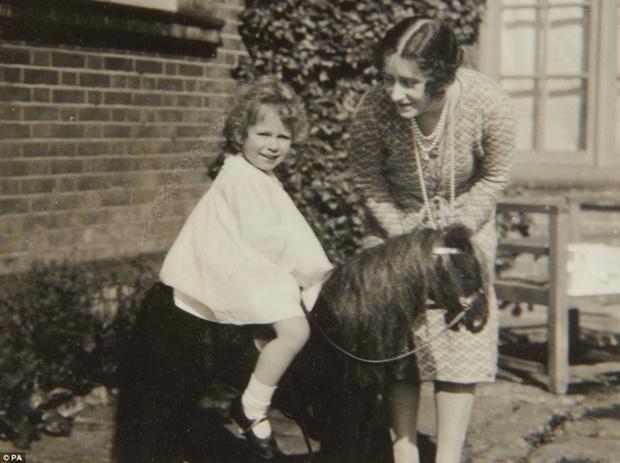 Фото №10 - Принцесса Лилибет: редкие детские фотографии Елизаветы II