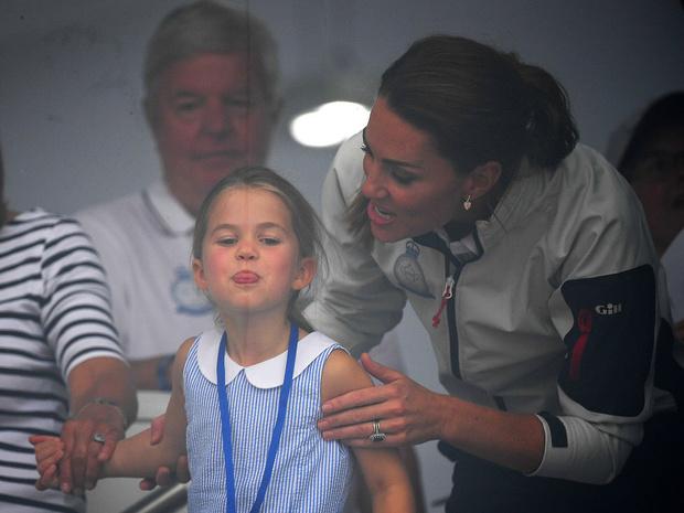 Фото №2 - Самая «взрослая» и забавная привычка принцессы Шарлотты