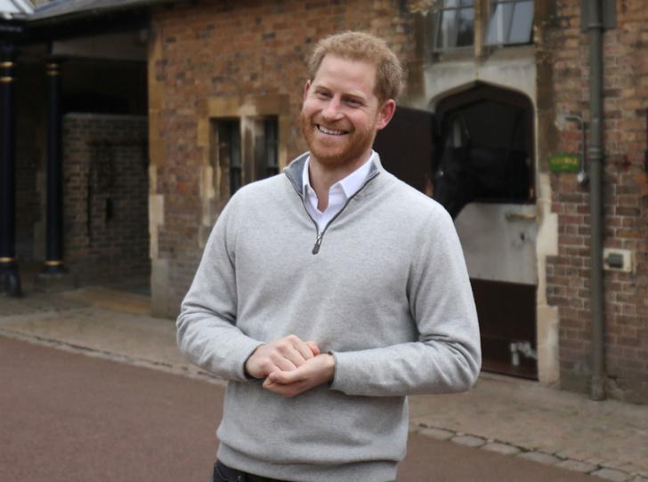 Фото №1 - Как принц Гарри провел «секретную операцию» по рождению первенца