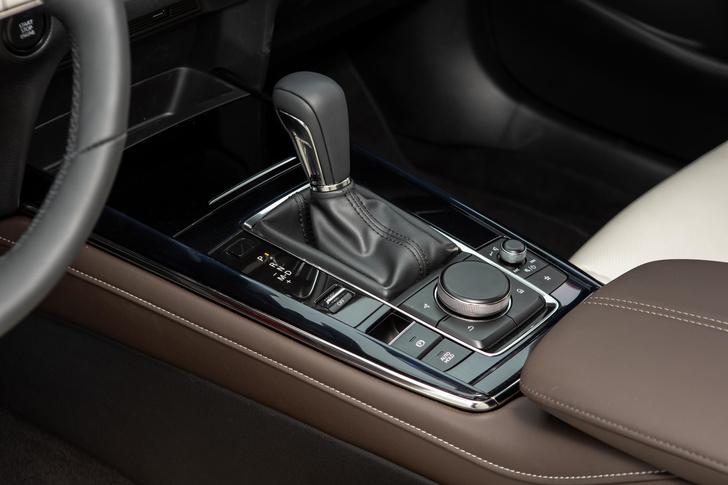 Фото №5 - Mazda CX-30: модель минус-сайз