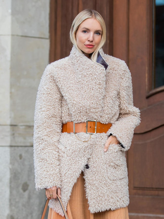 Фото №8 - Не только пальто: 6 вариантов верхней одежды для офисного гардероба