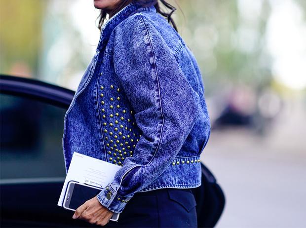 Фото №1 - Привет из 80-х: как носить вареный деним сегодня
