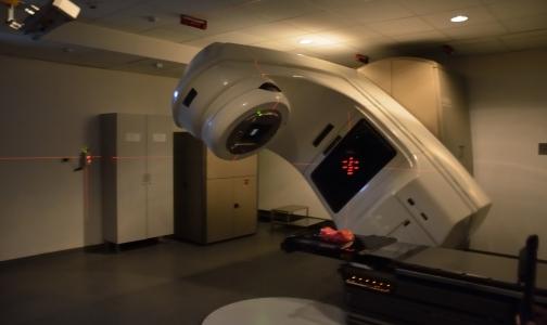 Фото №1 - Пациенты онкодиспансера на Березовой на две недели остались без лучевой терапии