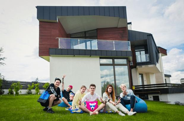 Фото №2 - «Клипы» ВКонтакте открывают блогерский дом— жить в нем будут Dream Team House