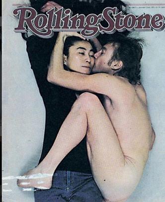 Фото №1 - Солистки SEREBRO повторили «голое» фото Джона Леннона