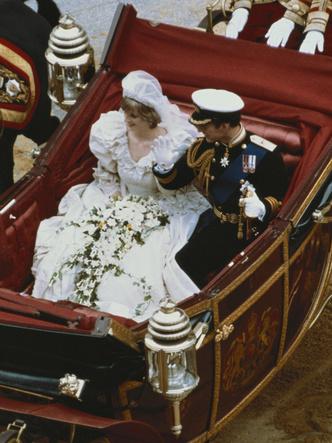 Фото №5 - Особенный и важный свадебный аксессуар принцессы Дианы, который никто не увидел