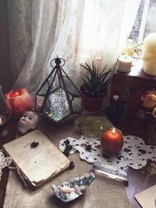Фото №2 - Тест: Выбери ведьминскую атрибутику, и мы скажем, сколько в тебе процентов волшебства
