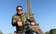 Шварценеггер влез в кадр и испортил фото туристам