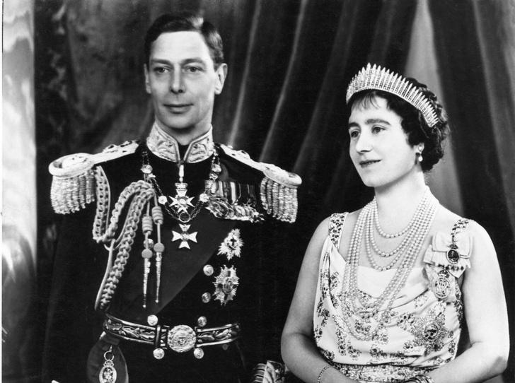 Фото №28 - Какую тиару Елизавета II одолжит Меган Маркл на свадьбу: делаем ставки
