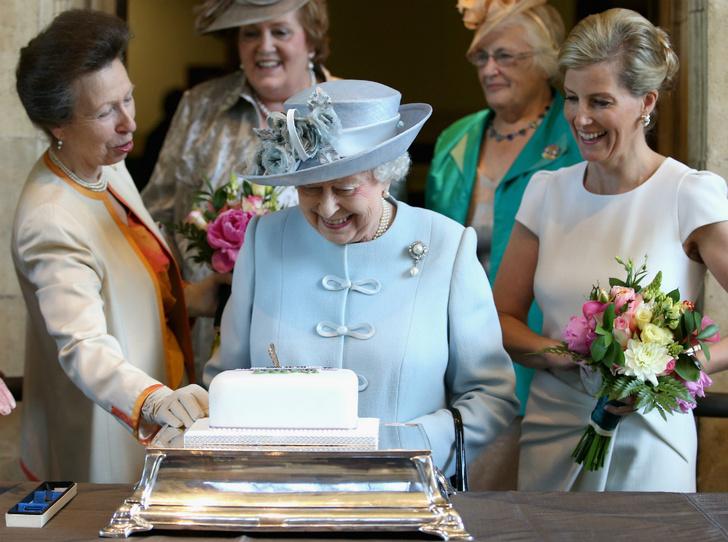 Фото №4 - Серый кардинал стиля: «любимая невестка Королевы» и ее новая особая миссия