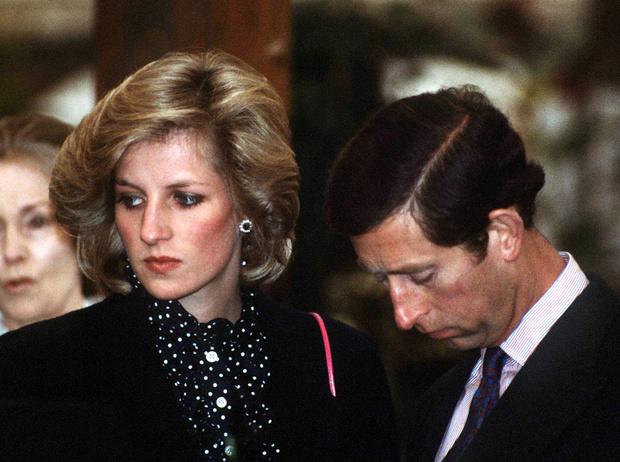 Катастрофа для династии: «психическая болезнь» принцессы Дианы | Marie Claire