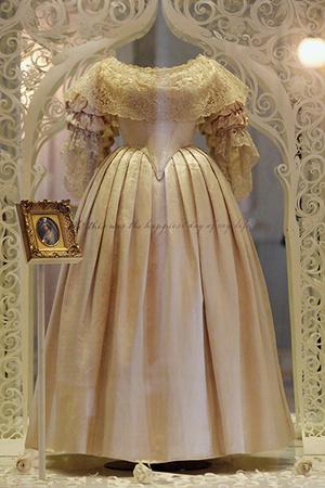 Платье Виктории в музее.