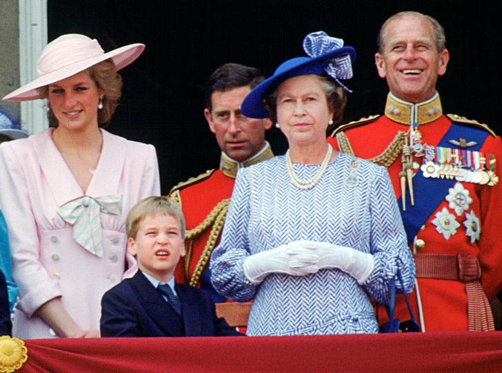 Фото №1 - Как принцесса Диана вносила разлад в брак Елизаветы II и принца Филиппа