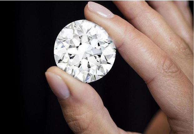 Фото №1 - 4 драгоценных камня, которые дадут фору бриллиантам