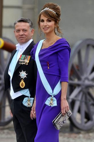 Фото №4 - Все оттенки сирени: как королевские особы носят фиолетовый цвет