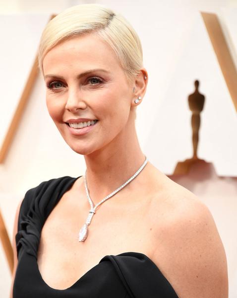 Фото №6 - «Оскар-2020»: самые красивые бьюти-образы