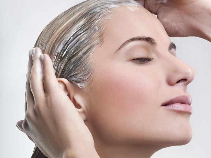 Фото №3 - 8 вредных привычек, из-за которых волосы быстрее становятся грязными