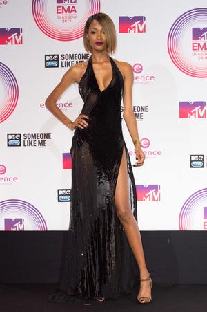 Фото №13 - Премия MTV EMA: лучшие звездные образы за всю историю