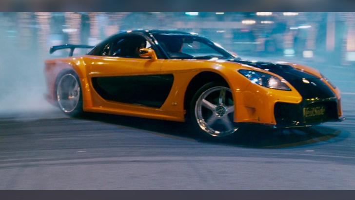 Фото №2 - Полный форсаж: 7 самых ярких автомобилей кинофраншизы
