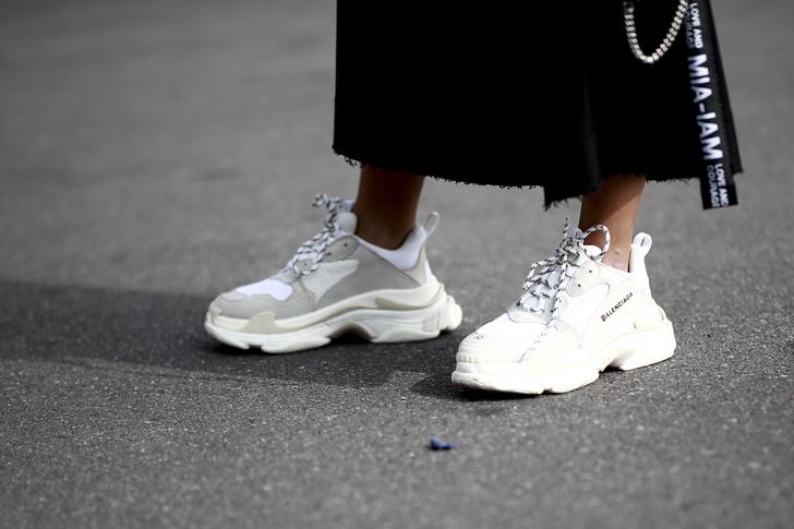 Фото №3 - Летние прогулки: стильная обувь для теплой погоды