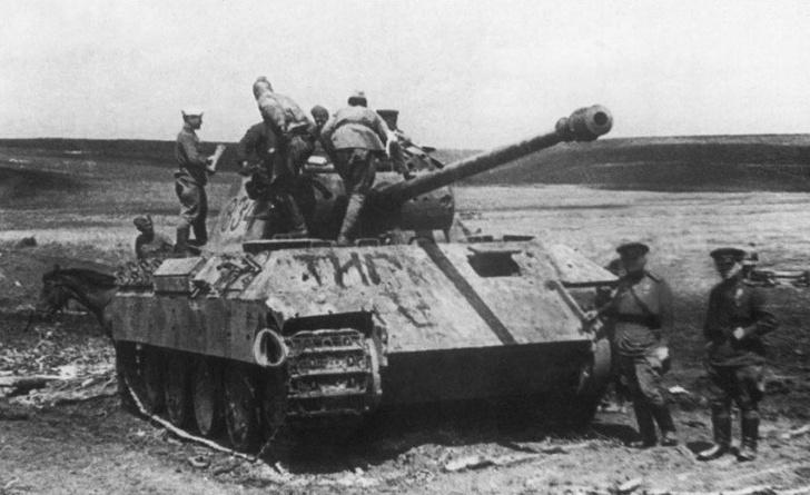 Фото №9 - Что немцу хорошо, то и Красной армии подойдет— танки вермахта с красными звездами