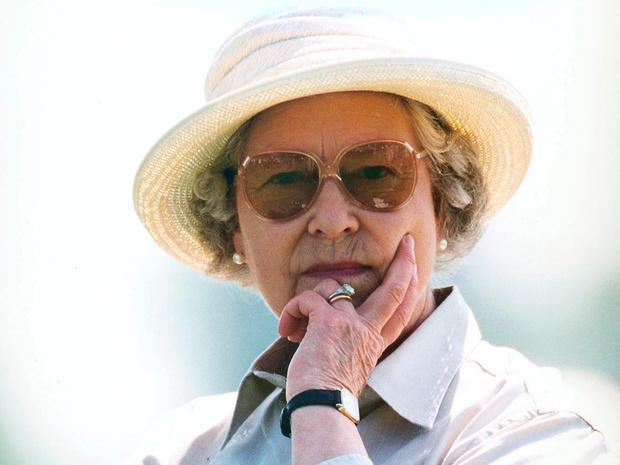 Фото №3 - Ее Бунтарское Величество: 8 раз, когда Королева нарушала протокол и меняла традиции
