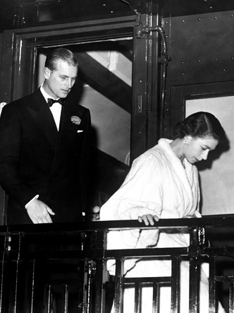 Фото №2 - Каким мужем принц Филипп был для Елизаветы II