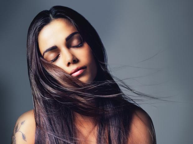 Фото №2 - От шампуня до массажа: как ухаживать за кожей головы