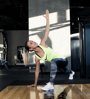 Фото №5 - 5 минут в день: упражнения на внутреннюю поверхность бедра