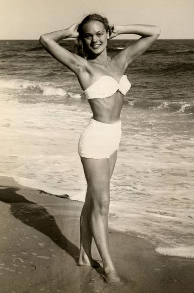 Фото №3 - Путешествие во времени по пляжам: от бикини до шаровар