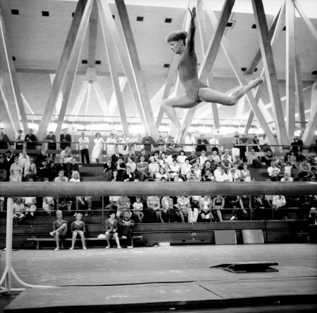 Фото №13 - Чемпионка на 4-м месяце беременности: история гимнастки Ларисы Латыниной, которая прыгнула выше головы