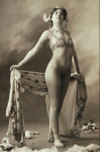 Фото №13 - Женщина-загадка: 5 истинных причин «бессмертия» Маты Хари