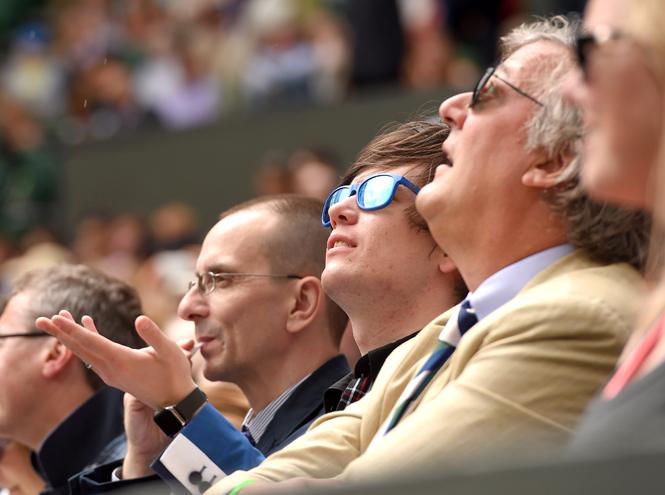 Фото №38 - И смех, и слезы: звезды на трибунах Уимблдона глазами фотографов