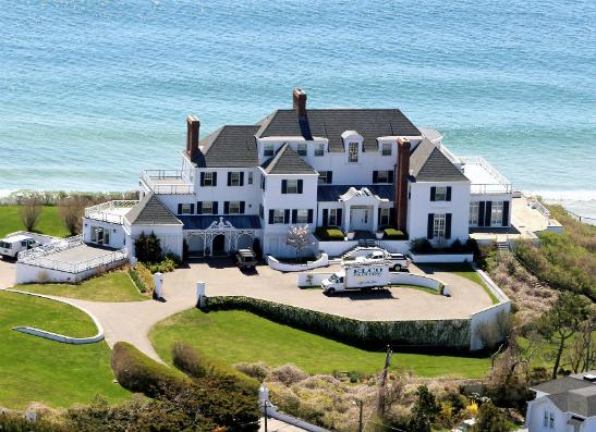Фото №1 - Где живут поп-звезды:  топ-6 самых роскошных домов